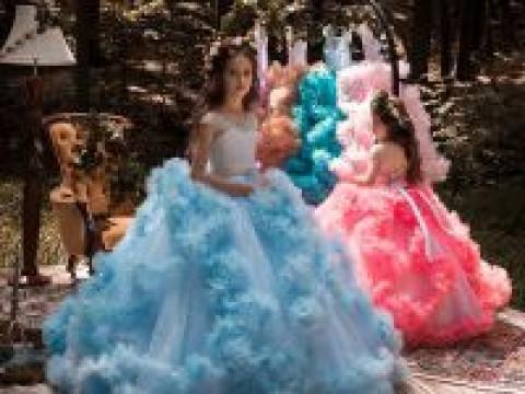 Сказочная атмосфера новой коллекции детских платьев