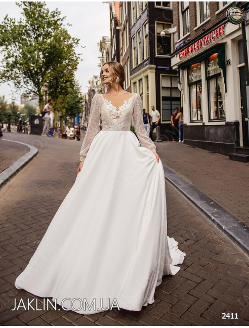 Wedding dress 2411