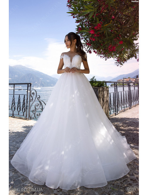 Wedding dress 5010