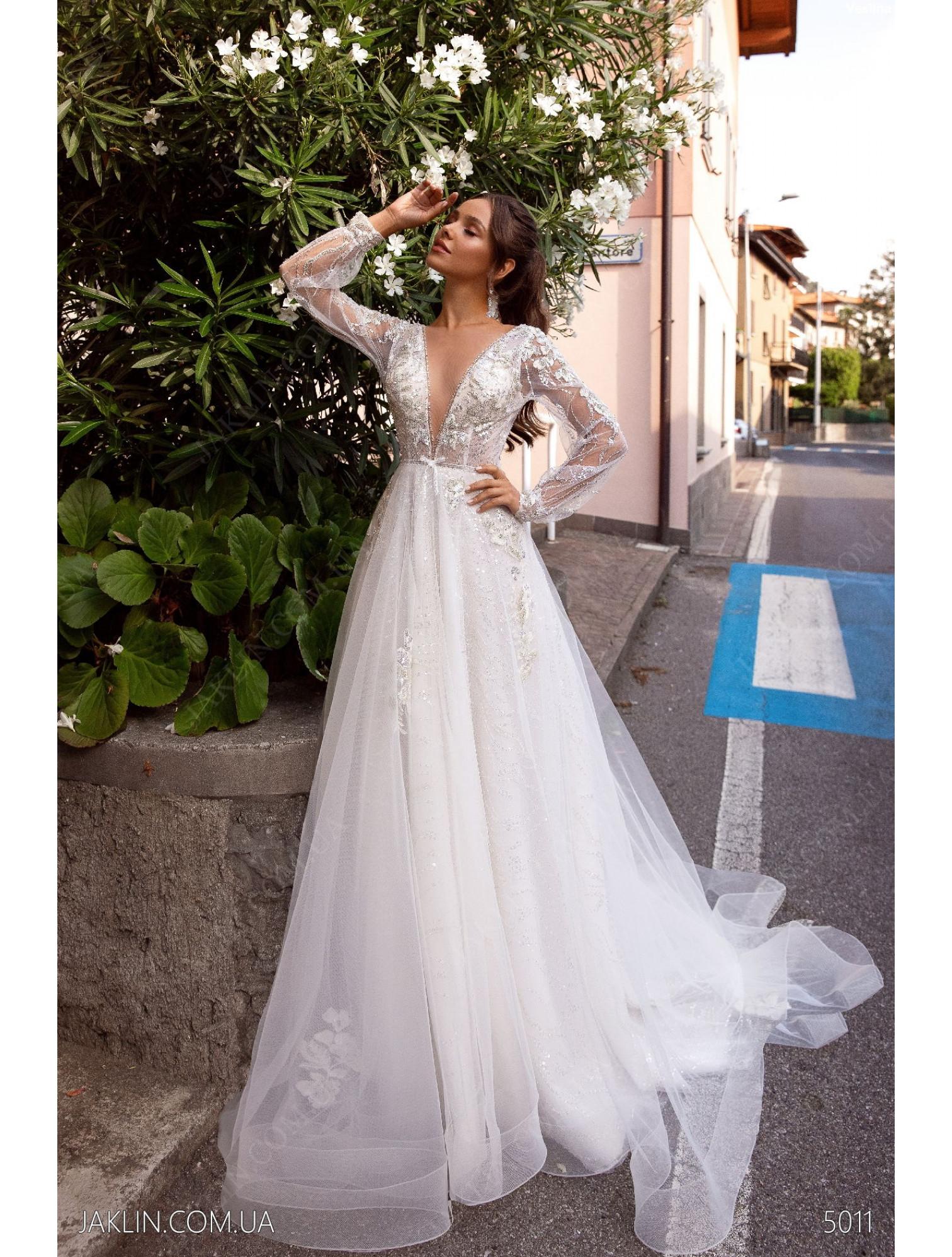 Wedding dress 5011