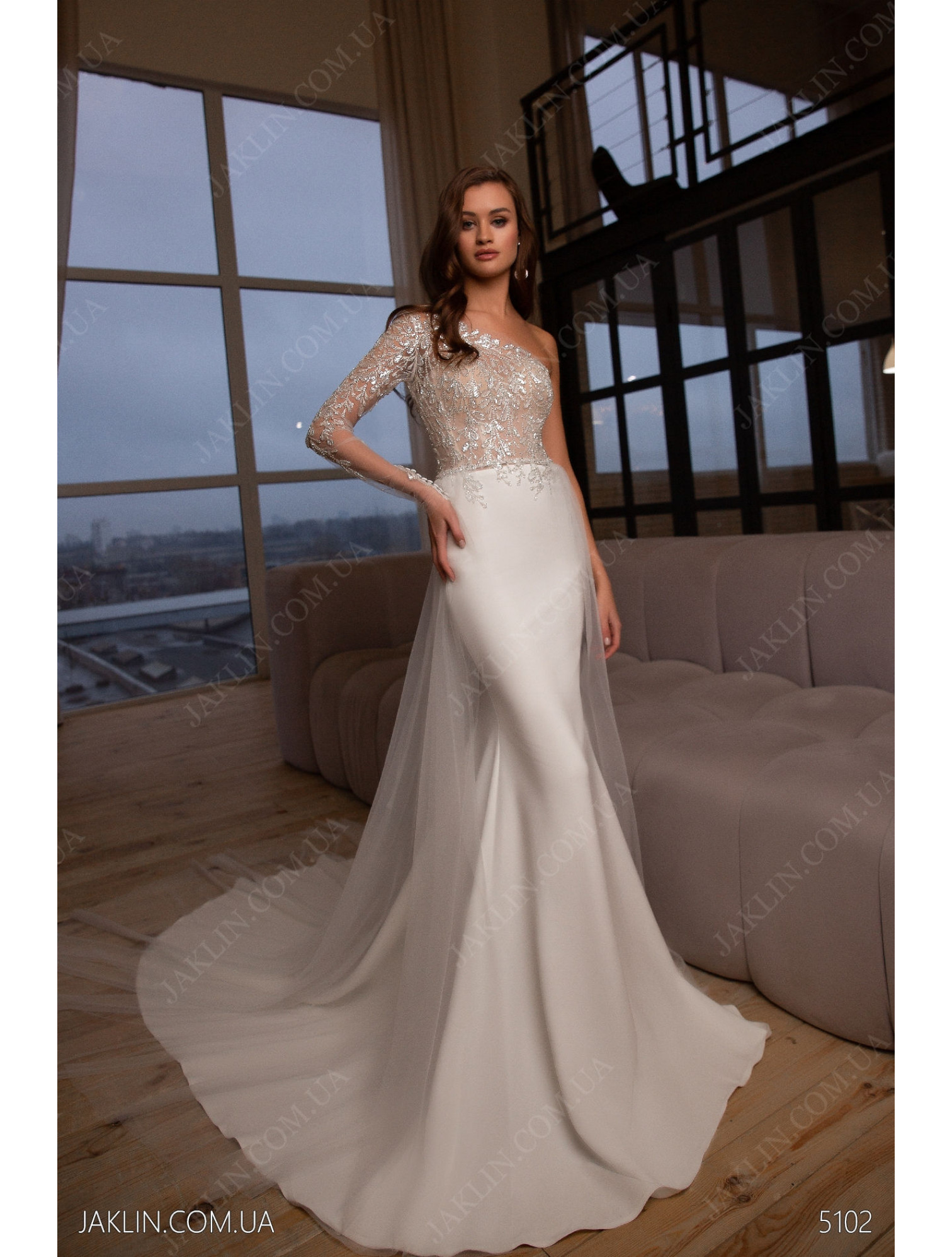 Wedding dress 5102