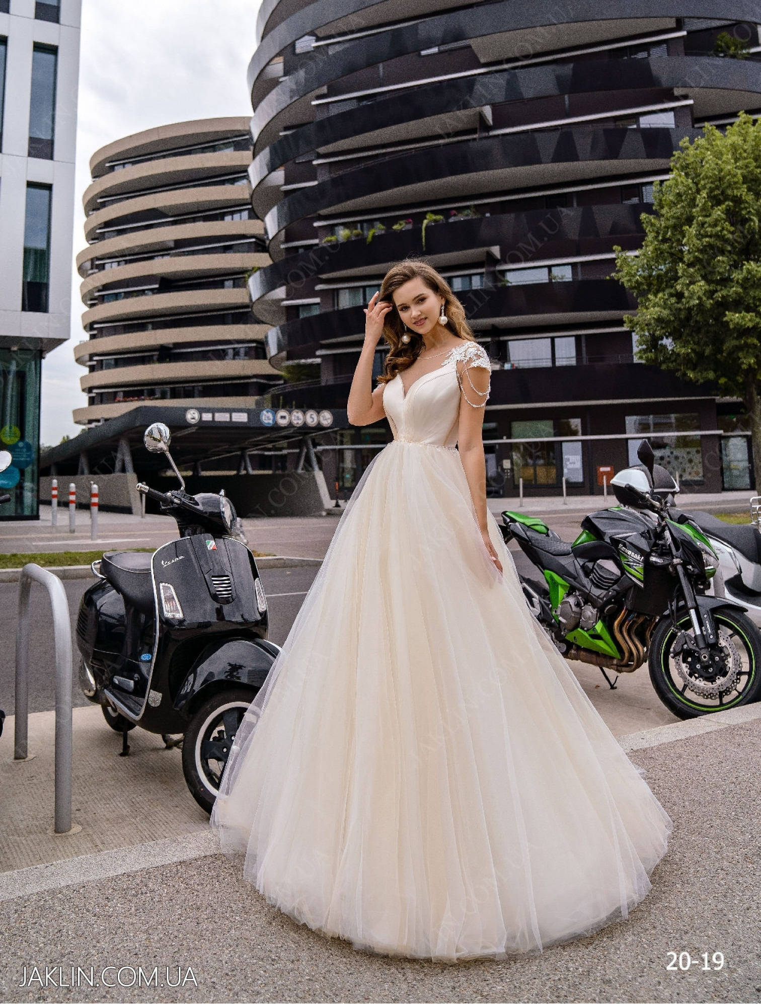 Весільна сукня 20-19
