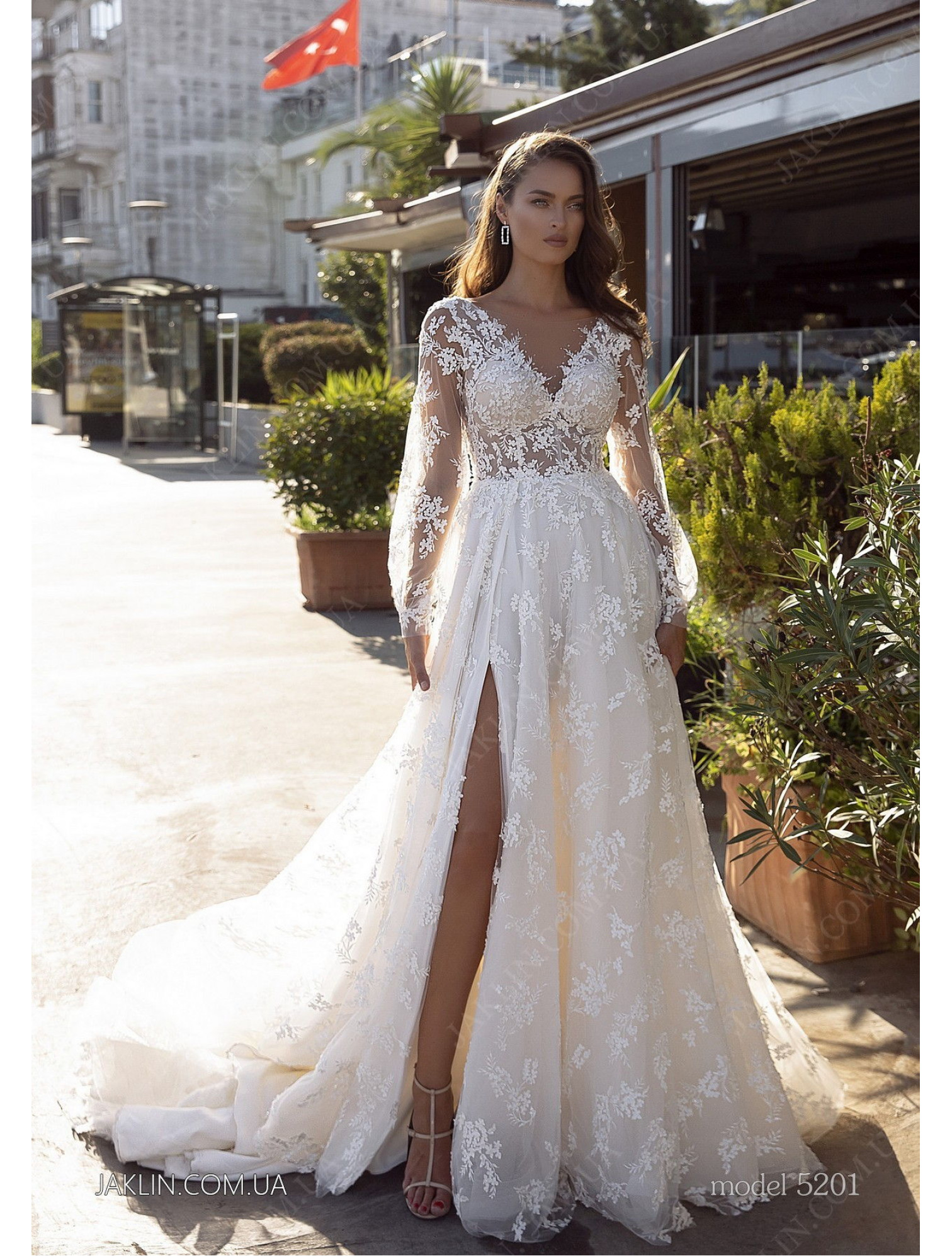 Wedding dress 5201