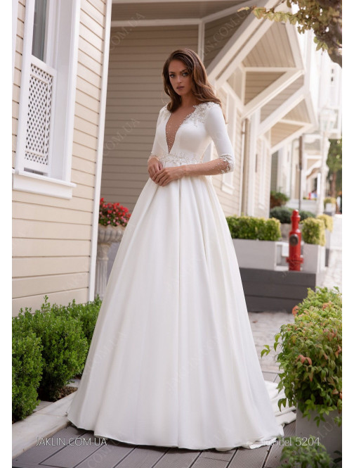 Wedding dress 5204