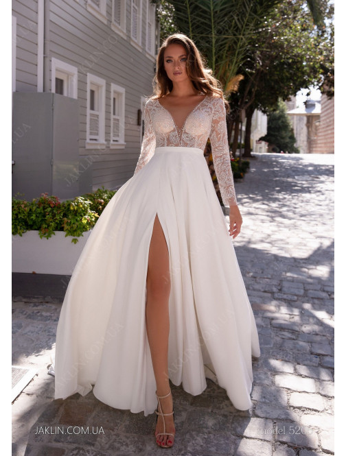 Wedding dress 5205