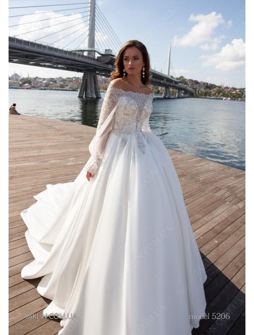Wedding dress 5206