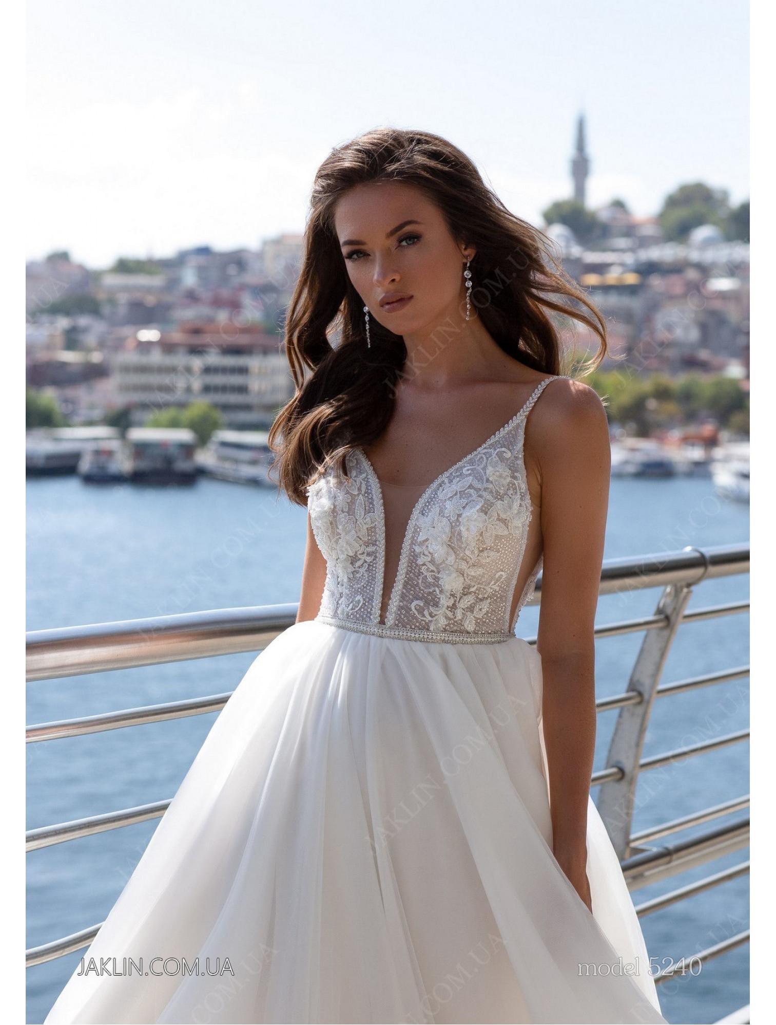 Весільна сукня 5240