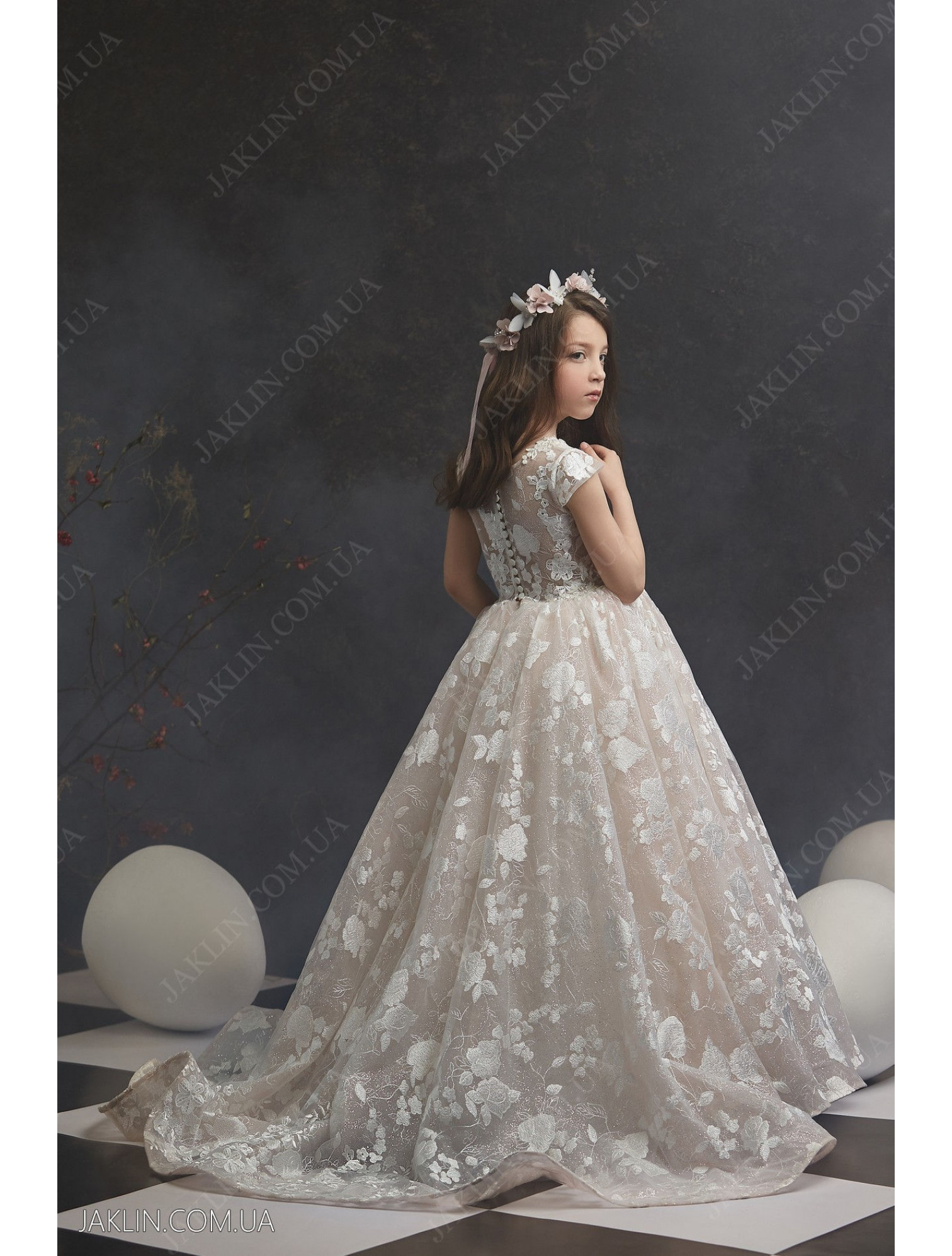Child dress 3034