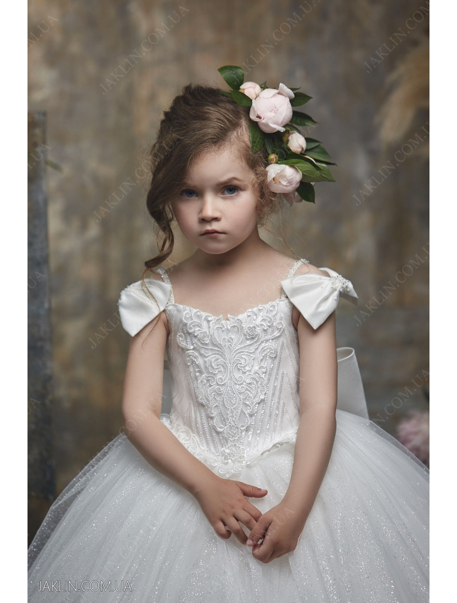 Child dress 3054