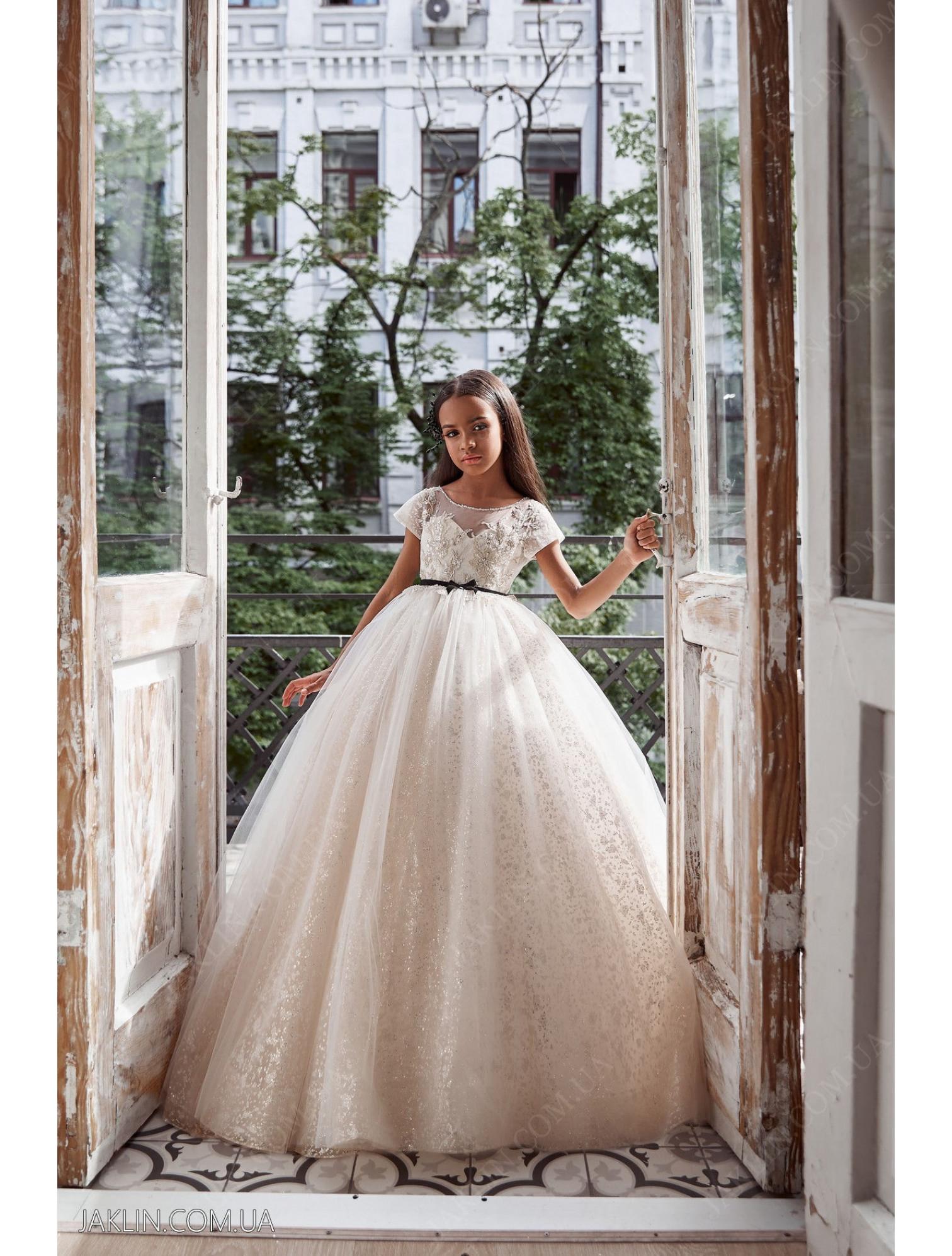 Child dress 3125