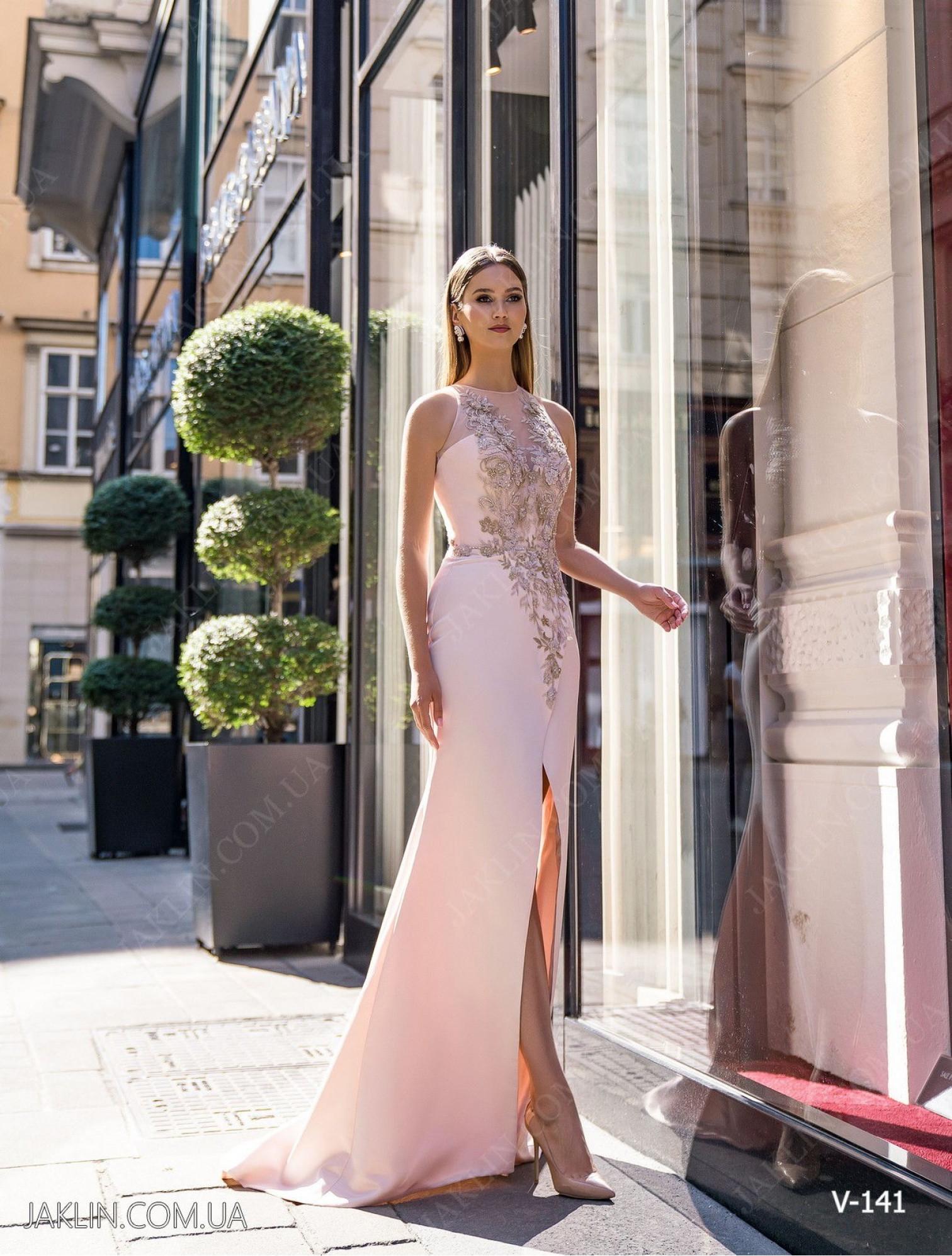 Вечернее платье V-141