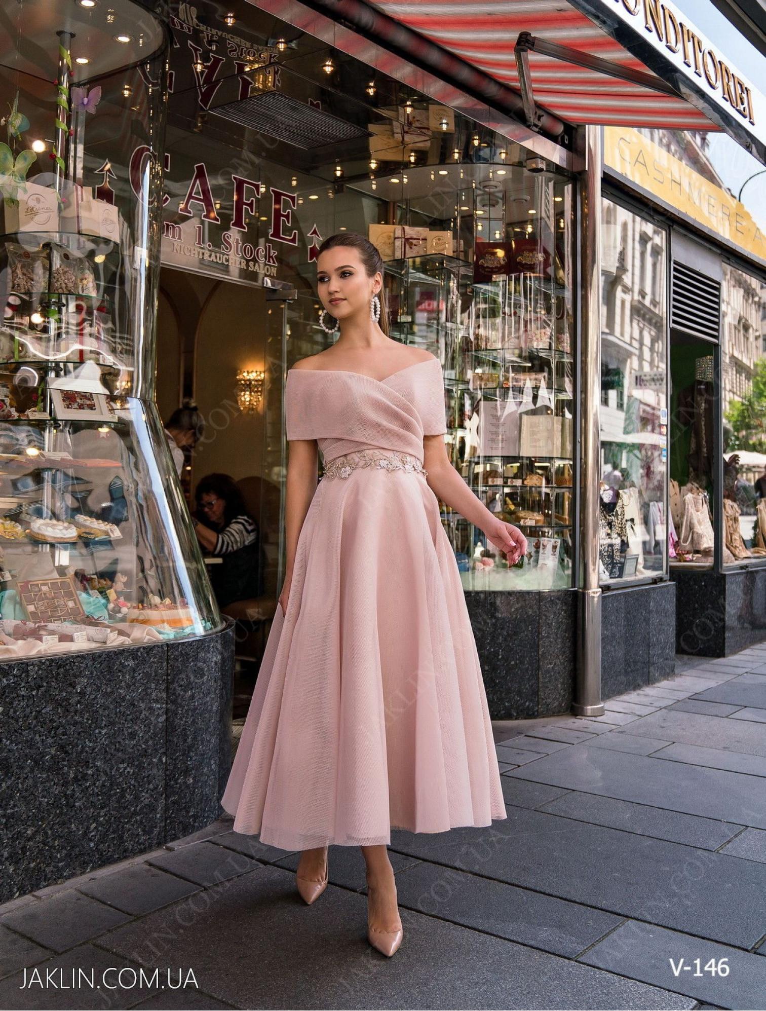 Вечернее платье V-146